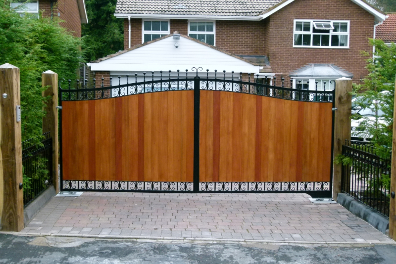 Wooden Gates Sliding Electric Wooden Gates